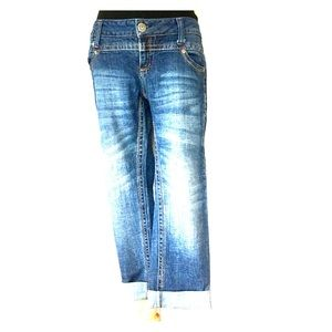 Freestyle Revolution Rolled Raw Edge Cropped Jean